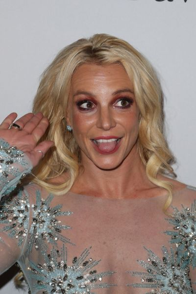 Britney Spears – Clive Davis Pre-Grammy 2017 Party in Beverly Hills
