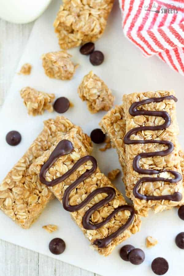 No Bake Peanut Butter Honey Granola Bars | Celebrating Sweets