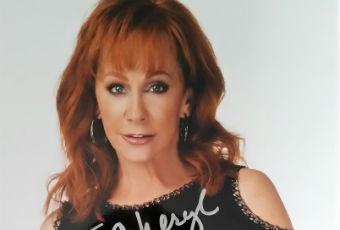 Reba McEntire Autograph