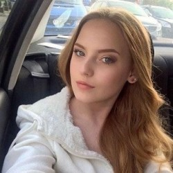 Oksana Neveselaya Bio, Wiki, Net worth, Teacher, Married, Affairs