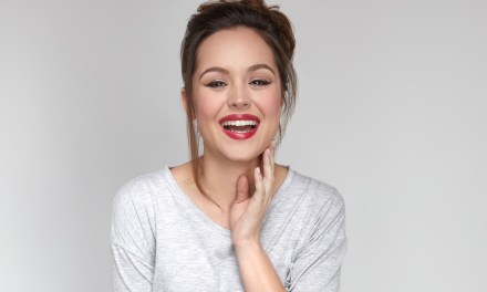 "Q&A: Hayley Orrantia Teases Tonight's Season 4 Premiere of ""The Goldbergs"""
