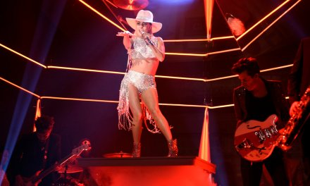 Lady Gaga to Perform at the 2016 American Music Awards