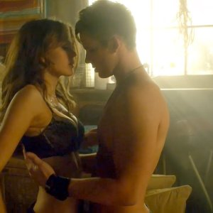 Aimee Teegarden in Star-Crossed