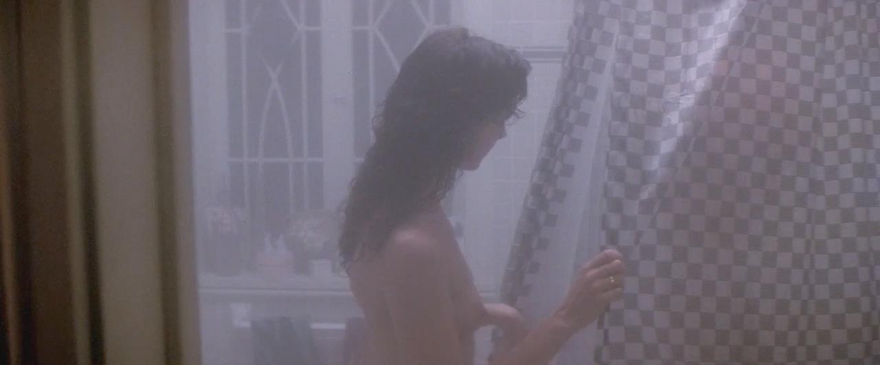 Elizabeth Perkins Nude Pics 44