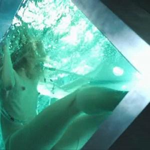 Milla Jovovich in Resident Evil Apocalypse