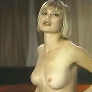 Rena Riffel in Undercover Heat