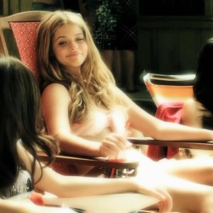 Sasha Pieterse in Pretty Little Liars