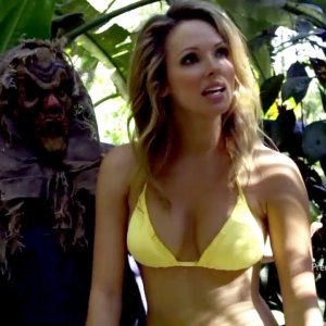 Shandi Finnessey in Piranhaconda