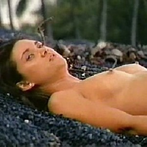 Stephanie Swift in Shipwrecked