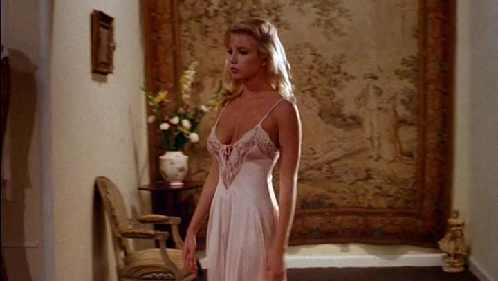 Traci lords not of this earth - 3 7