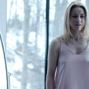 Zoie Palmer in Dark Matter