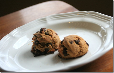 003 thumb Recipe: Chocolate Chip Ice Cream Sandwiches