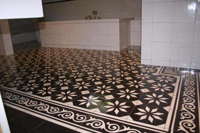 Portugese Tegels badkamer zwart-wit 20x20