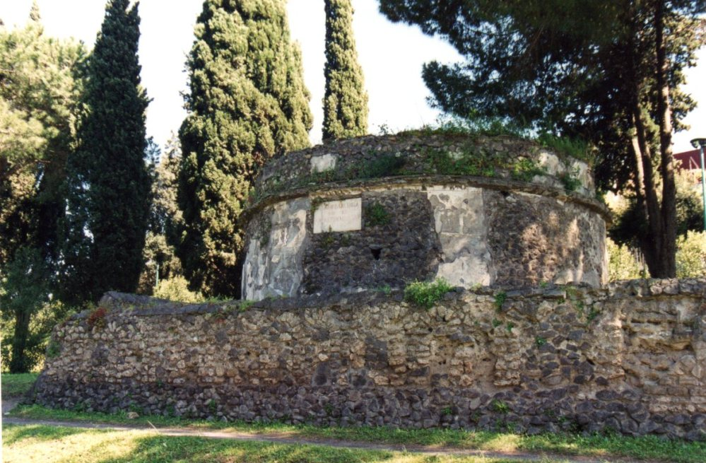 Cemetery of the Week #79: the Archaeological Site at Ancient Pompeii (3/5)
