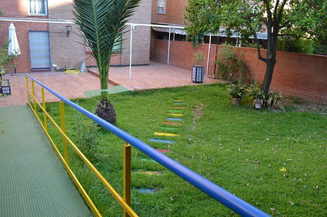 Jardín, rampa minusválidos