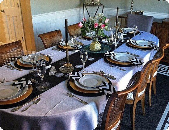 gold and black tablescape