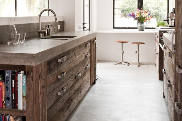 Popular Again: Wood Kitchen Cabinets | Centsational Girl