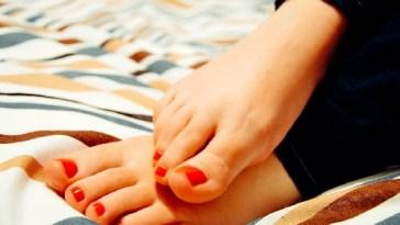 Cuidado de los pies en las personas con diabetes 2