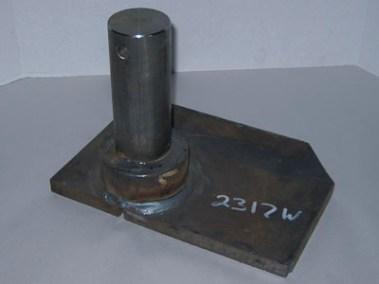 2317W Upper Lift Cyl Mtg Plate RH