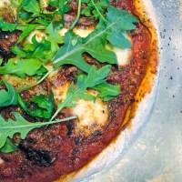 Pizza tomates séchées, mozzarella et speck