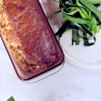 Cake courgettes, feta et pignons de pin