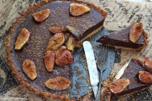 Roasted figs chocolate ganache tart