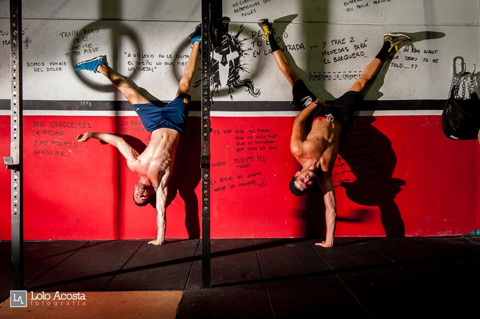 Wod CrossFit Sevilla Lions walking handstand