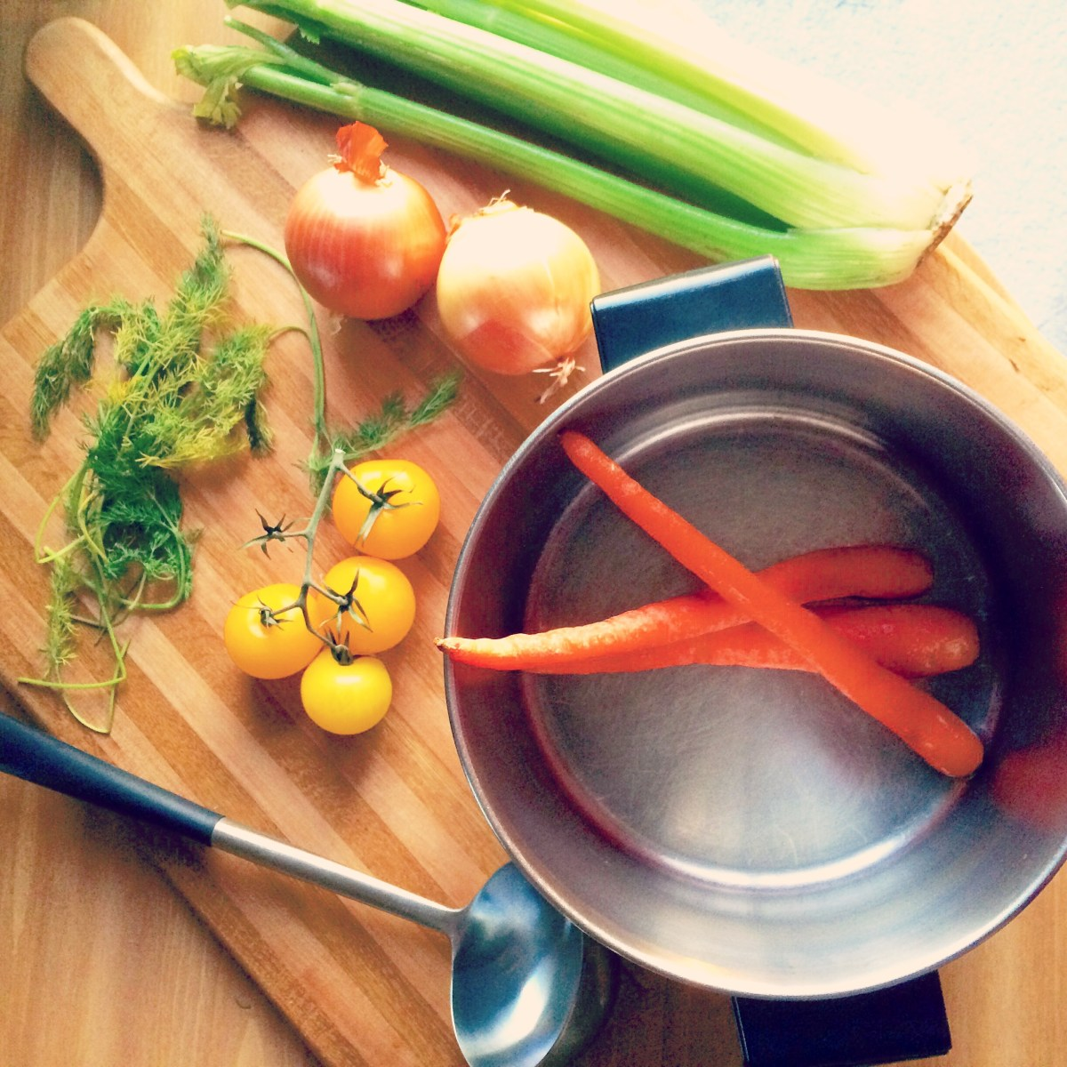 Cooking 101: Homemade Vegetable Broth