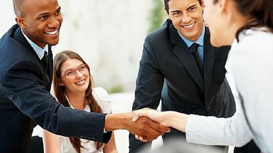 The Do's and Don'ts of Networking at a Job Fair