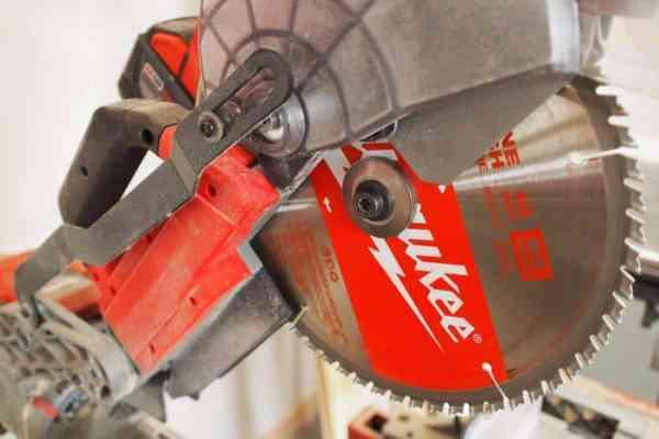 Milwaukee Tool 10″ Cordless Miter Saw