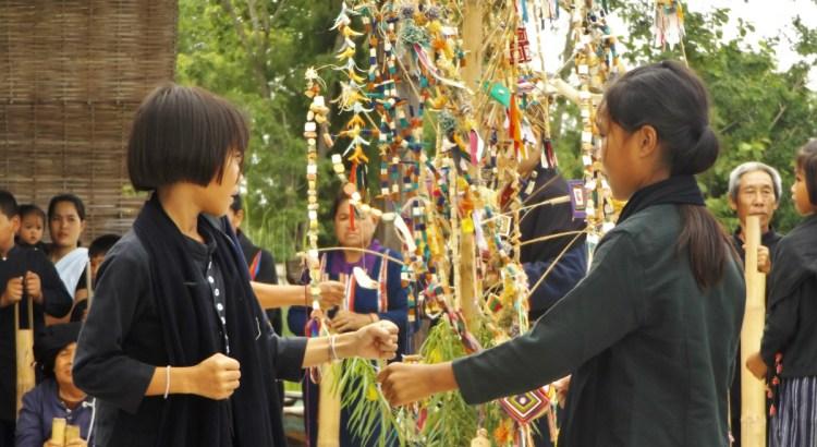 Tai Dam Village Thailand Loei Province - colourful threads - Charlie on Travel