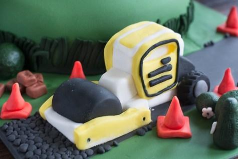 Digger-Birthday-Cake-2