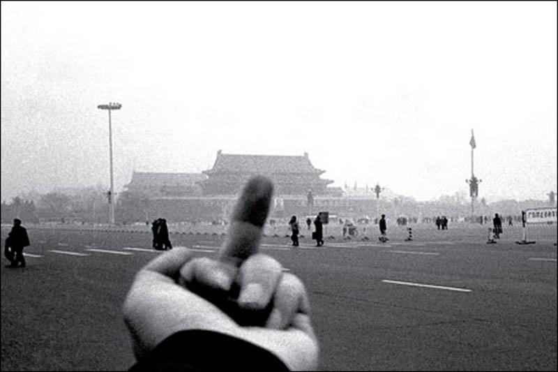 Ai-Weiwei-Charonbellis