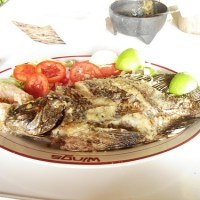Pescado frito en salsa agridulce china