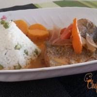 Sudado de pescado con arroz blanco