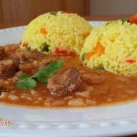 Carapulcra con arroz a la jardinera