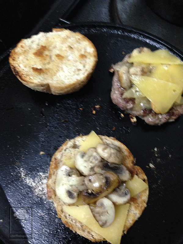 cheffinitup-tamarillo-avocado-burger0