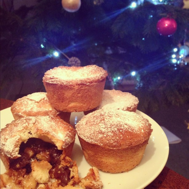 Almond mince pies