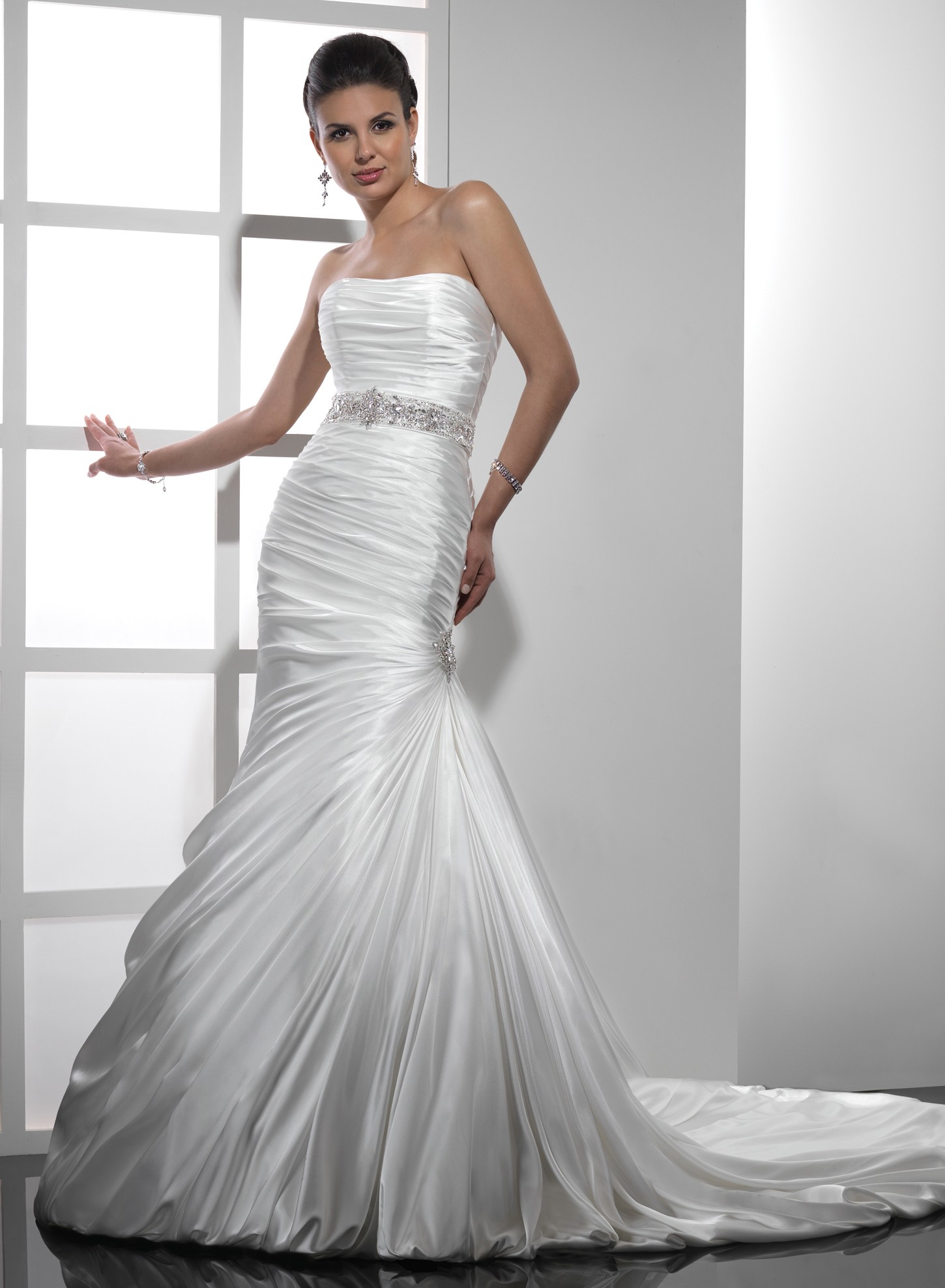 7 stylish strapless wedding dresses for your big day wedding dresses strapless strapless wedding dresses 06