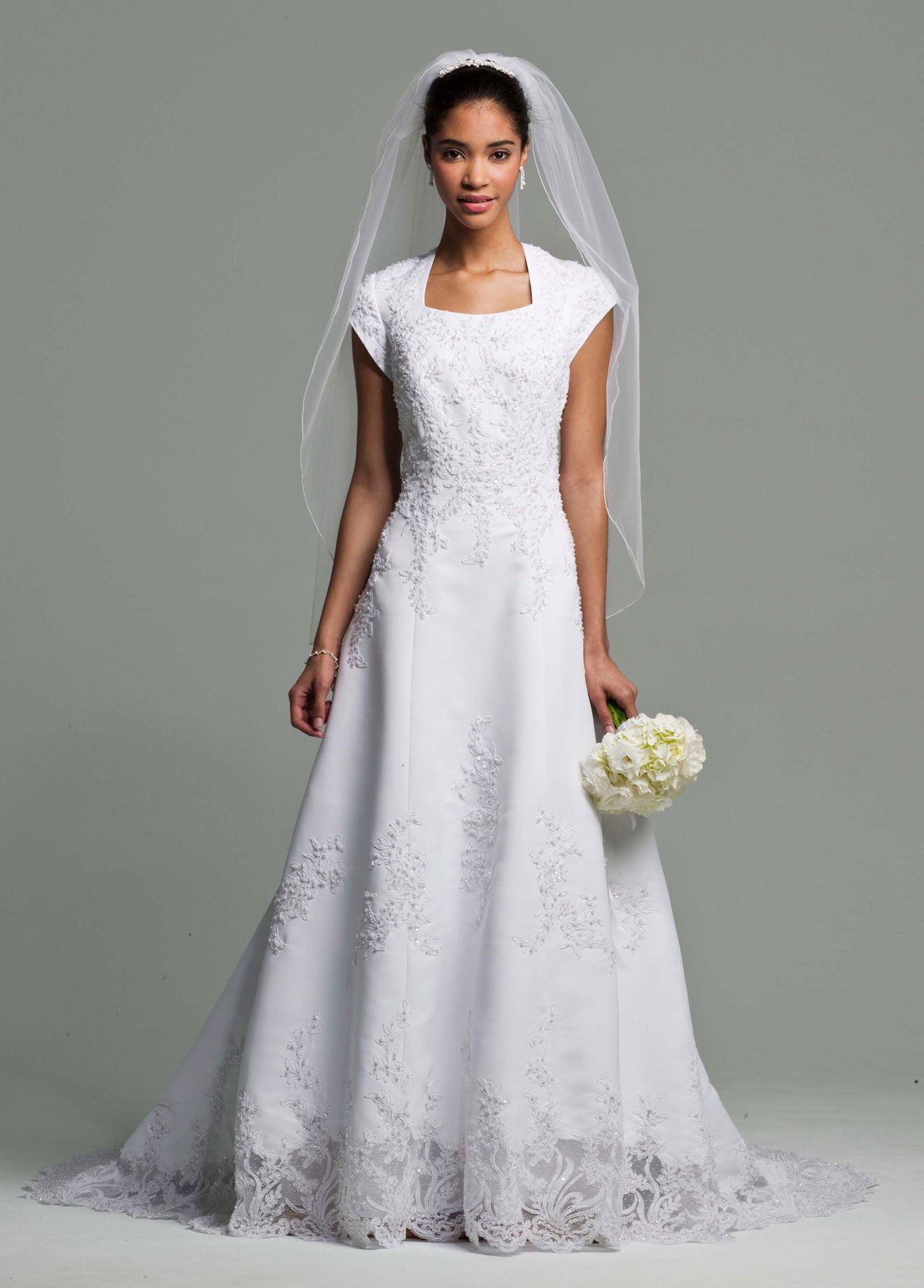 used wedding dresses under dollars cheap used wedding dresses Cheap mother of the bride dresses can be stylish if the material and fabric used is exotic and original Choosing the right authentic fabric can be a