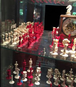 Open Crown English Playing Chess Set
