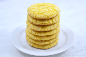 Easy Lemon Crinkle Cookies - Chew Nibble Nosh