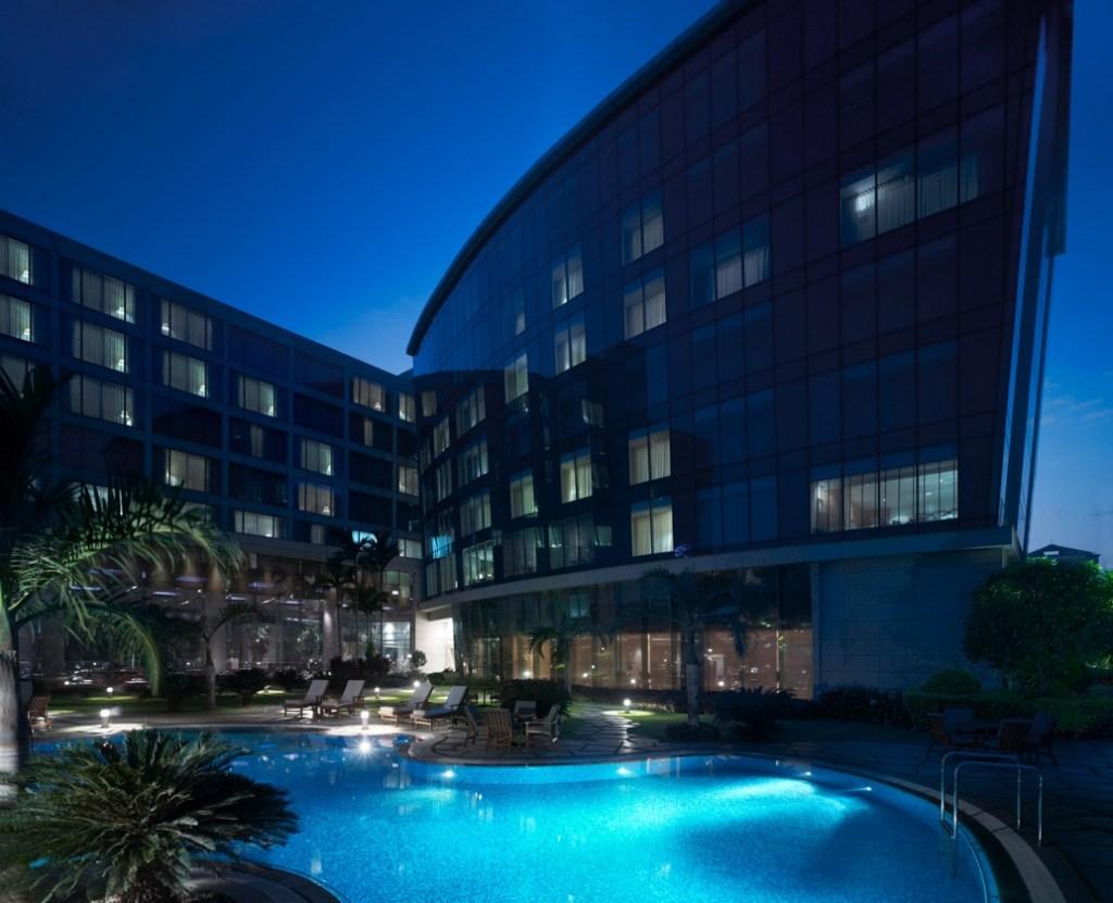 MUMBA_P037_Hotel_Facade
