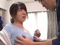 洗車中にノーブラから浮き出る胸ポチを見られて興奮した貧乳女子に誘惑されて・・・