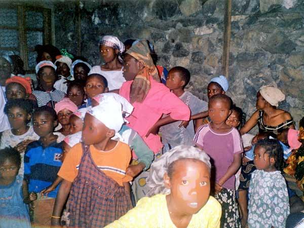 Libération des 32 enfants de l'Eglise Nayot en 2007