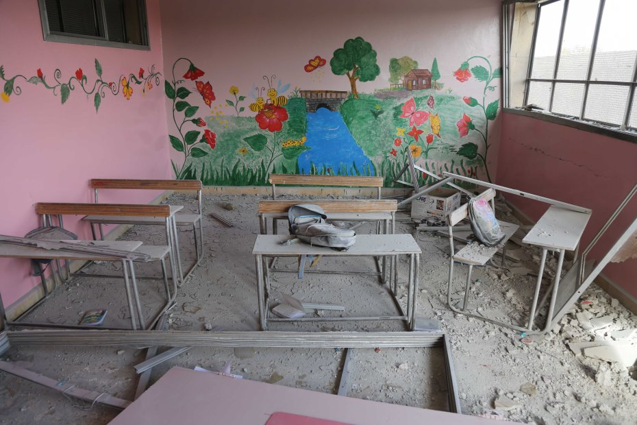 ©UNICEF/2016/Syria/Rural Damascus/Al Shami Signs of destruction in al-Qarma school in rural Damascus after the primary school was attacked on 20 November. At least one 10-year-old child died in the attacks, and 15 other children were injured, many with critically.
