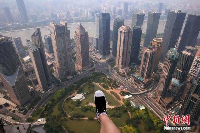 04Camminata-tra-nuvole-Shanghai