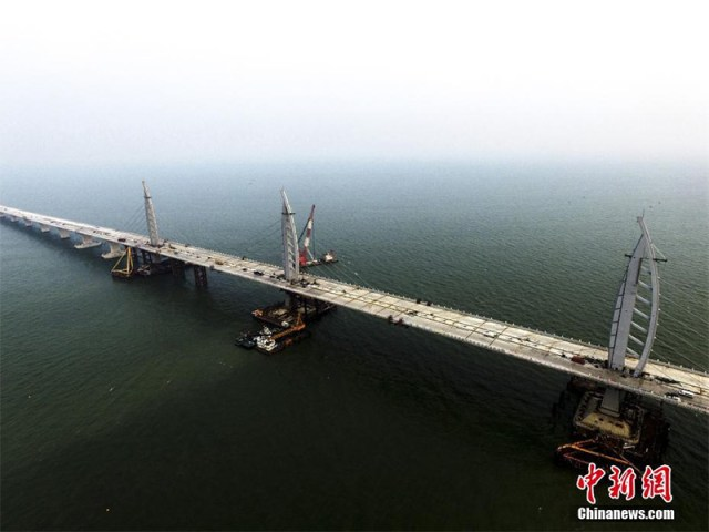 The World's longest sea bridge, long 55 km, is completed