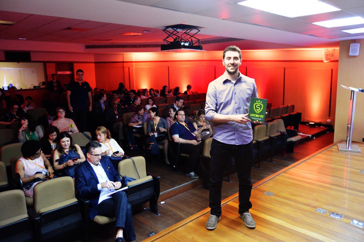 Lucro FC aposta na paixão do brasileiro pelo futebol para explicar sobre educação financeira