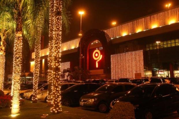 """Diversão e música no """"Natal das Renas Douradas"""" do Shopping Ibirapuera"""